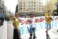Desfile em Madri revela a verdadeira China   #China, #Desfile, #Espanha, #FalunGong, #Madrid, #Meditação, #Perseguição