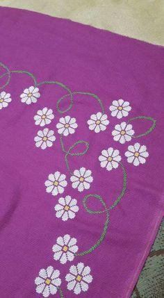 Bu Embroidery Patterns, Cross Stitch Patterns, Prayer Rug, Christmas Cross, Cross Stitch Embroidery, Towels, Trapper Keeper, Toss Pillows, Punto De Cruz