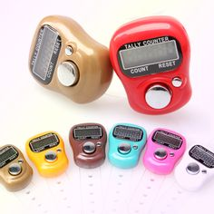 1pc Portable Electronic Digital Counter Hand Held Operated Tally LCD Screen (Random Color ) --M25  Price: 1.00 USD
