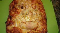 Homemade pizza No Bake Treats, Lasagna, Pizza, Homemade, Baking, Ethnic Recipes, Food, Bread Making, Meal