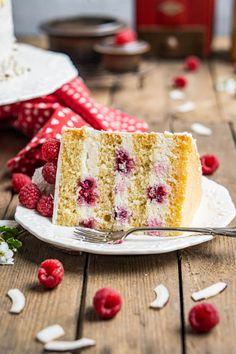 Farbenfrohes für den Kaffeetisch - Lemon-Curd-Torte mit Tonka-Mascarpone - mitliebezurtorte Muffins, Lemon Curd, Vanilla Cake, Delish, Food And Drink, Sweets, Cakes, Mousse, Pink