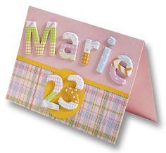 Unsere Buchstaben und Zahlen aus Karton erhalten Sie in blanko oder bunt. Benutzen Sie sie zum Verzieren von Grußkarten, Bastelprojekten, Wohnaccessoires oder Scrapbooking. Mehr auf www.folia.de