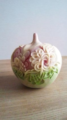 フルーツカービングfood garnish#fruit carving work Vegetable Decoration, Vegetable Design, Food Decoration, Watermelon Art, Watermelon Carving, Food Sculpture, Fruit And Vegetable Carving, Food Carving, Fruit Arrangements