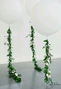 Jungle tassle for gigantic ballons (greenery can be painted gold, no florals)