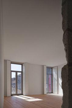 espaço de arquitectura . portal de arquitectura portuguesa   concursos de arquitectura - projectos de arquitectura - bolsa de emprego de arquitectos - notícias de arquitectura - directorio de arquitectos e empresas portuguesas - projectos - portugal - Edifício dos Lóios - Floret Arquitectura Lda