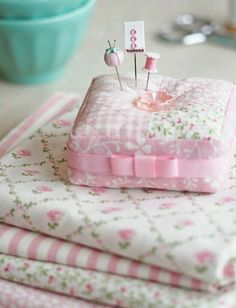Pretty by Hand - pink pincushion. Love the tiny, tiny pincushion on the pin! Fabric Crafts, Sewing Crafts, Sewing Projects, Sewing Box, Sewing Notions, Sewing Kits, Deco Rose, Needle Book, Sewing Rooms