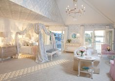 Luxurious Canopy Beds for Bedrooms