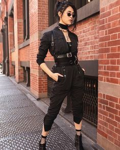 Cool outfits, fashion outfits, womens fashion, fashion show, alternative fa Edgy Outfits, Mode Outfits, Grunge Outfits, Fashion Outfits, Fashion Fashion, Fashion Women, Hipster Outfits, Grunge Fashion, Fashion Styles