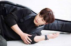 ภาพที่ถูกฝังไว้ Lee Yo Won, Jin Goo, Night Light, Kdrama, It Cast, Actors, Bedside Lamp, Actor