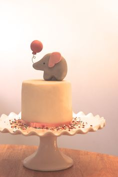 Cute for a baby shower, or just a sweet little girls birthday cake.