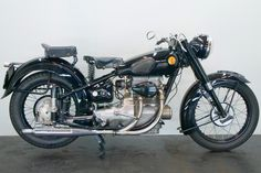 We buy and sell ► Pioneer, Vintage and Classic motorcycles◄ of a special kind. Antique Motorcycles, Bikes For Sale, Riding Gear, Motorbikes, War, Inline, Lighter, Classic, Vehicles