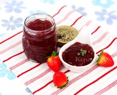 [Strawberry Jam] A great combination in the morning is a strawberry jam on a slice of bread. ★ http://kuvings.com
