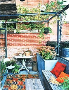 I don't live in the city anymore, but if I did, and I had a rooftop garden, I swear it would look like this.