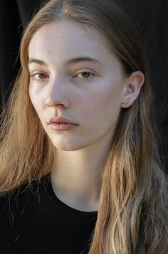 Each piece is based on a manifesto and aesthetic commandments by photographer Hannah Roche & philosopher LD. Handmade in Sydney, Australia. Ancient Jewelry, Eggshell, Sydney Australia, Tandem, Jewellery Making, Precious Metals, Everyday Fashion, Lighter, Studs