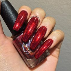 The latest fashion trends of 2019 nails are revealed here. Let's imagine what design nails would be the best before. Cute Acrylic Nails, Acrylic Nail Designs, Matte Nails, Red Chrome Nails, Nail Swag, Sexy Nails, Trendy Nails, Mettalic Nails, Long Red Nails