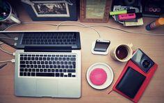 MacBook Pro and coffee workspace. Macbook Pro Tips, Macbook Pro Accessories, Iphone 5s Screen, Mac Notebook, Macbook Pro Unibody, Tech Branding, Unlock Iphone, New Ipad Pro, Techno Music