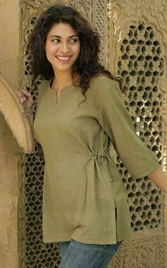 Cotton 'Olive Flirt' Tunic for a casual spring day. Cotton 'Olive Flirt' Tunic for a casual spring day. Short Kurti Designs, Kurta Designs Women, Kurti Patterns, Dress Patterns, Kurti With Jeans, Kurta Neck Design, Tunic Designs, Kurti Designs Party Wear, Mein Style