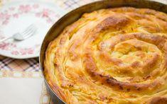 Genellikle kıymalı, patatesli ve peynirli hazırlanan Boşnak böreğini ıspanakla hazırlıyor, tadına doyamıyoruz.