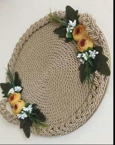 21 Beautifully Stylish Rope Projects That Will Beautify Your Life Recycled Crafts, Diy And Crafts, Arts And Crafts, Friend Birthday Gifts, Diy Birthday, Thali Decoration Ideas, Diy Y Manualidades, Ring Pillow Wedding, Burlap Crafts