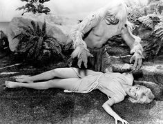 Classic Movie Monsters & babes, The Time Machine Yvette Mimieux & Rod taylor King Kong 1933, Science Fiction, Fiction Movies, Films Cinema, Sci Fi Films, Cinema Posters, Skull Island, Classic Sci Fi, Classic Horror Movies