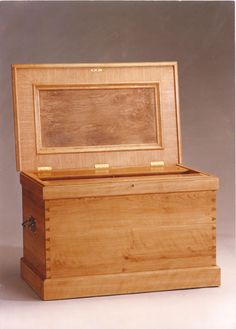 Wood Chest Old Wooden Box Workshop Treasure Chest Skilful Manufacture Tool Chest