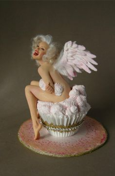 Marilyn_Angel Cupcake by Nichole West...beautifully done and good likeness