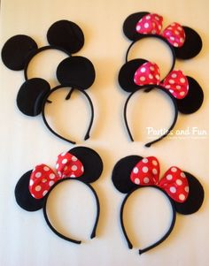 For the Minnie mouse themed party, you can't miss such favors. The Minnie and Mickey mouse ears are wonderful headband for such a party to display the adorable look. http://hative.com/cute-minnie-mouse-party-ideas-for-kids/
