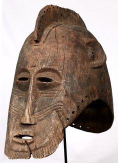 Máscara Bobo-Fing de 42,5 cm de altura. Originaria de Burkina Faso.