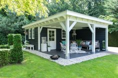 pavillion garten This tastefully decorated garden room with cooking shower and toilet is amp; # the perfec Backyard Pavilion, Backyard Sheds, Backyard Retreat, Outdoor Sheds, Backyard Patio, Backyard Landscaping, Backyard Office, Backyard Studio, Outdoor Living Rooms