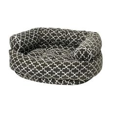 For this comfortable Double Donut Bed, Bowsers Pet Products has doubled up on all the features of their bestselling donut nesting dog bed design. The upper bolster is finished off with piping to creat
