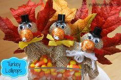 Turkey Lollipops: Thanksgiving Craft Projects for Kids using materials from @Ben Franklin Crafts and Frames  #thanksgivingcrafts #thanksgivingcraftsforkids