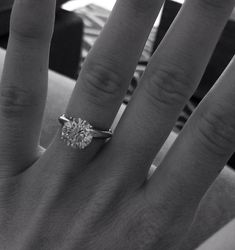 simple, classic engagement ring | 2.5 carats