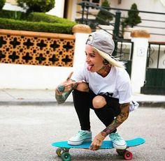 Bantik Boy in the Icarus T-Shirt. Look Skater, Skater Girl Style, Skater Girl Outfits, Skate Style, Bantik Boy, Base Ball, Skate Girl, Skateboard Girl, Skateboard Clothing
