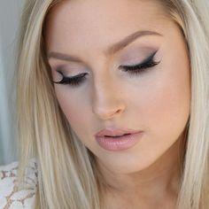 beautiful day make up with smudged eyeliner Smudged Eyeliner, Eyeliner Shapes, Wedding Makeup Tips, Bridal Makeup, Wedding Ideas, Natural Makeup Looks, Simple Makeup, Skin Makeup, Beauty Makeup