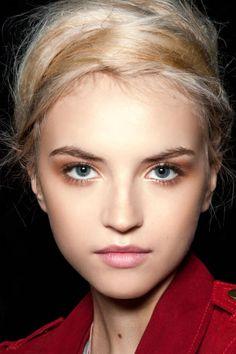 Neutral Smoky Eye - Beauty Trends Neutral Smoky Eye - ELLE