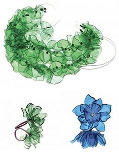 plastic jewelry,cut large plastic water bottle in half-use small flame to contour edge-solder iron to punture holes-looks bubbledI& not really into jewelry, but I must admit that what Gülnur Özdağlar can do is really creative and needs some obviou Plastic Bottle Flowers, Reuse Plastic Bottles, Plastic Bottle Crafts, Plastic Art, Plastic Jewelry, Plastic Animals, Recycled Bottles, Recycled Jewelry, Recycled Art