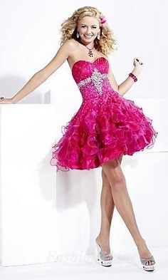 Prom Dress. Not really a fan of short dresses for prom but this is really cute.