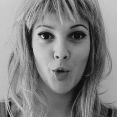 Image shared by karen. Find images and videos about drew barrymore on We Heart It - the app to get lost in what you love. Drew Barrymore, Born To Die, Short Choppy Bangs, Choppy Fringe, Fringe Bangs, Pretty People, Beautiful People, We Heart It, Karen