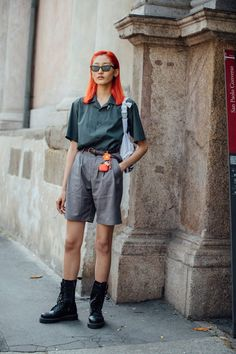 See what the models wore off-duty during MFW Men's, – Of The Minute Hipster Grunge, Grunge Goth, Girl Fashion, Fashion Outfits, Womens Fashion, Street Style Vintage, Cool Outfits, Summer Outfits, Over The Top