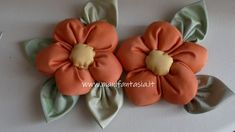 Diy And Crafts, Arts And Crafts, Chicken Crafts, Hand Sewing Projects, Handmade Flowers, Fabric Flowers, Quilts, Pattern, Mary