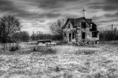 Burned out house near Lindsborg, KS, by Dave McKane