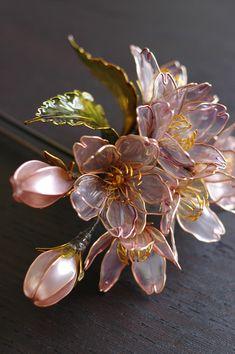 Sakura Hairpin made by Sakae , 2009 Nail Polish Jewelry, Nail Polish Flowers, Nail Polish Crafts, Wire Flowers, Plastic Flowers, Paper Flowers, Dyi Flowers, Beaded Flowers, Fabric Flowers