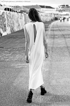Minimal + Classic V back White Dress Glam Style, Style Me, City Style, Casual Styles, Minimal Classic, Minimal Chic, Classic White, Classic Style, White Fashion