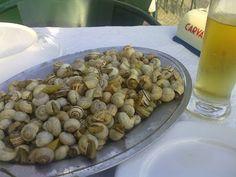 Caracóis, Portugal Portugal, Learn Portuguese, Stuffed Mushrooms, Vegetables, Drinks, Beautiful, Food, Portuguese Food, Tuna