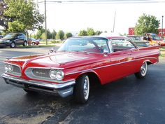 1959 Pontiac Catalina - Information and photos - MOMENTcar Vintage Cars, Antique Cars, Classic Car Garage, Pontiac Catalina, Old Muscle Cars, Pontiac Cars, American Classic Cars, Pontiac Grand Prix, Old School Cars