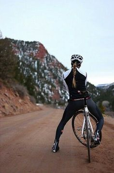BikeMondo is the authorized seller for Aerospoke Apparel and Cycling Gear. Cycling Jerseys, Cycling Shorts, Cycling Outfit, Bicycle Women, Bicycle Girl, Road Bike Women, Cycling Girls, Road Cycling, Triathlon