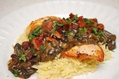 CHICKEN WITH MUSHROOMS AND BALSAMIC CREAM SAUCE
