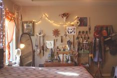 Boho Bedroom ........................... Laura of Roots and Feathers