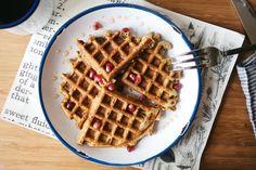 OVERNIGHT OAT WAFFLES W/ LEMON ZEST + POPPY SEEDS (+ POMEGRANATE HONEY!) - dolly and oatmeal