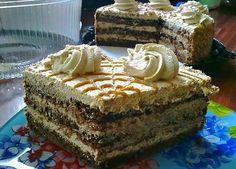 """Tortul """"Creme brulee"""" este un desertincredibil de gustos, format din 2 tipuri de blaturi și cremă de vanilie cu cacao. Acest tort bicolor se prepară foarte ușor și poate fi servit la orice masă. Tortul este foarte gingaș, cu blaturi moi îmbibate cu cremă delicioasă, care secombină excelent, oferind tortului un gust desăvârșit. Serviți tortul … Romanian Desserts, Romanian Food, Creme Brulee, My Recipes, Cooking Recipes, Mac And Cheese Homemade, Christmas Sweets, Something Sweet, Vanilla Cake"""